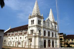 Side-view-Santa-Cruz-Basilica-Cochin